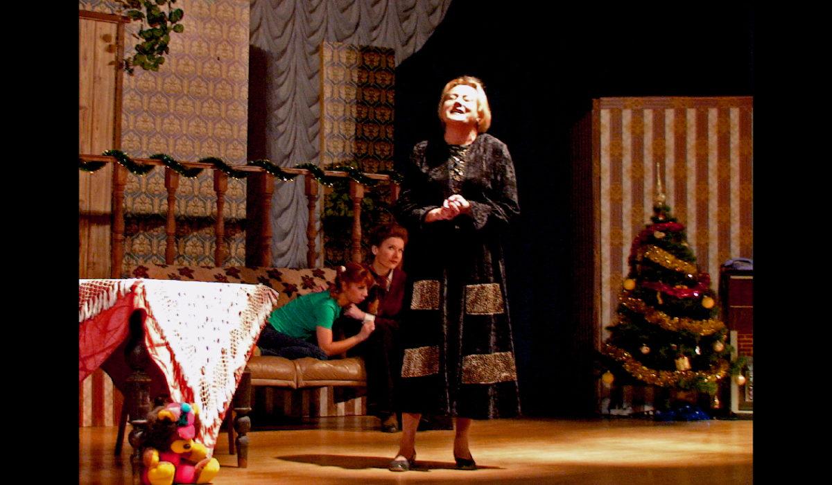 Театральная премьера, спектакль 8 женщин